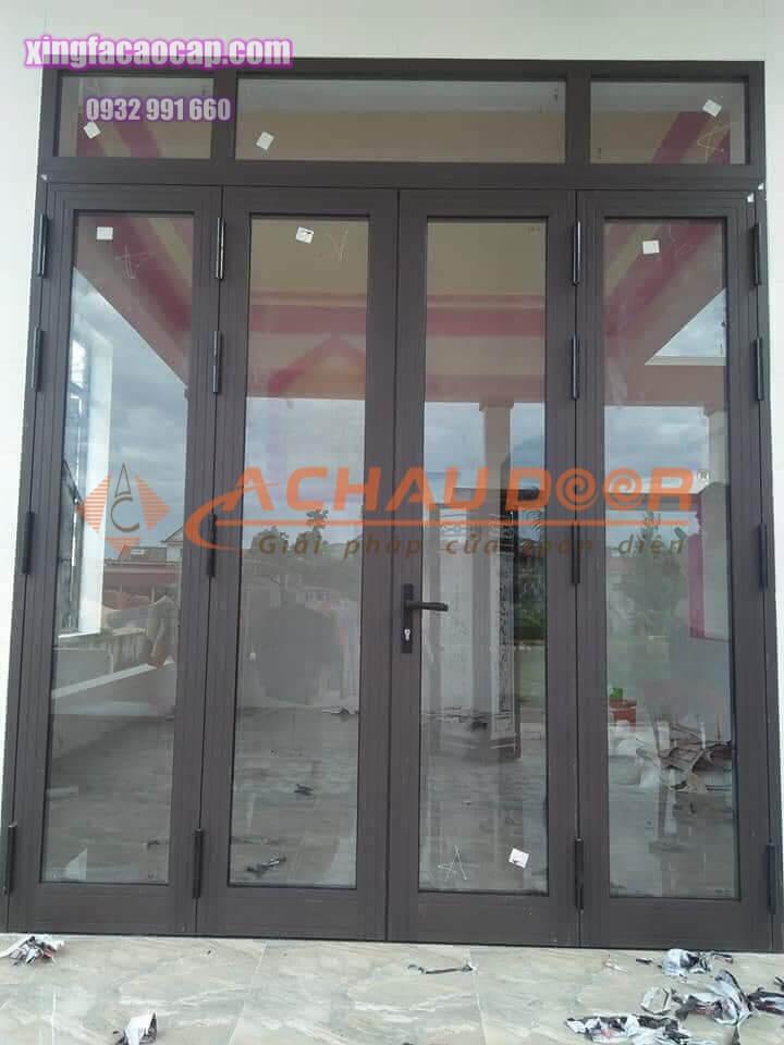 cửa đi mở quay nhôm Xingfa 4 cánh