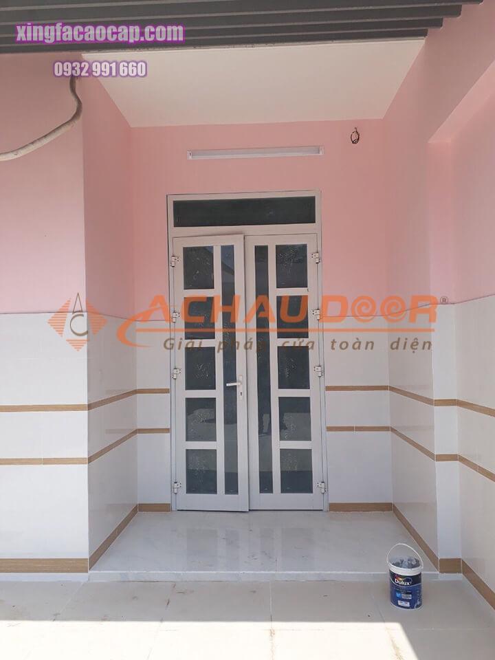 cửa nhôm xingfa màu trắng sứ