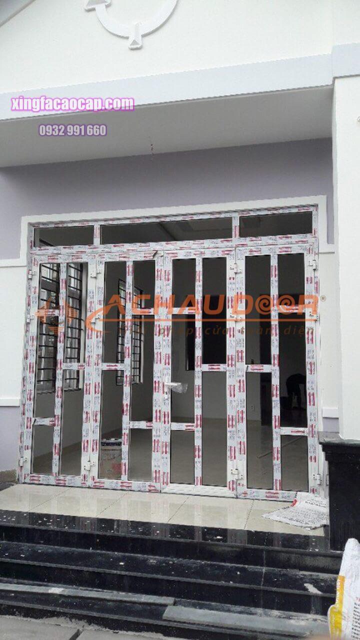 cửa nhôm kính mở quay 4 cánh nhôm xingfa