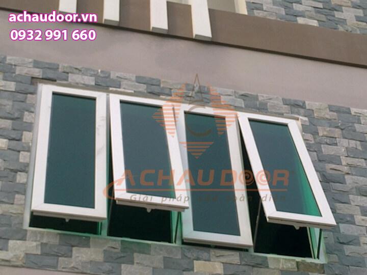 Cửa sổ mở hất nhôm xingfa 4 cánh giá rẻ