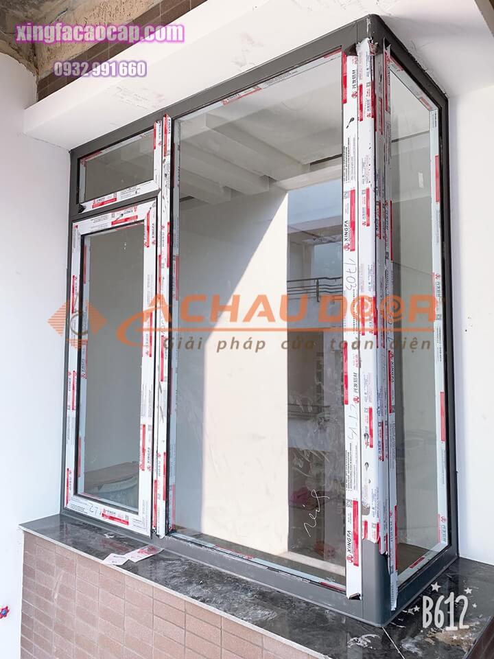 Hoàn thiện cửa sổ 1 cánh mở quay nhôm Xingfa