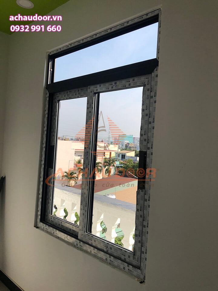 Cửa sổ mở lùa nhôm xingfa 2 cánh TPHCM