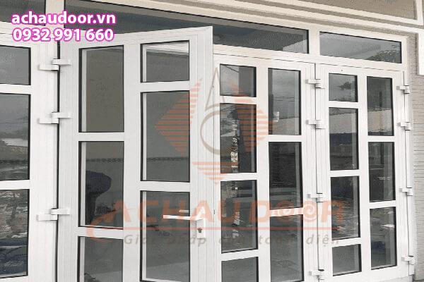 Đố cửa tĩnh