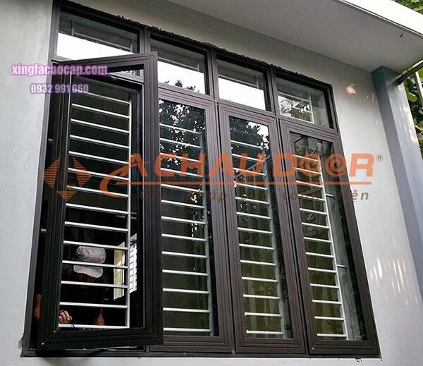 Mẫu cửa sổ 4 cánh mở quay nhôm Xingfa hệ 55