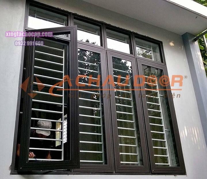 mẫu cửa sổ nhôm xingfa 4 cánh mở quay
